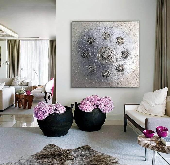 cuadros plateados Ideas para crear un salón con dos ambientes