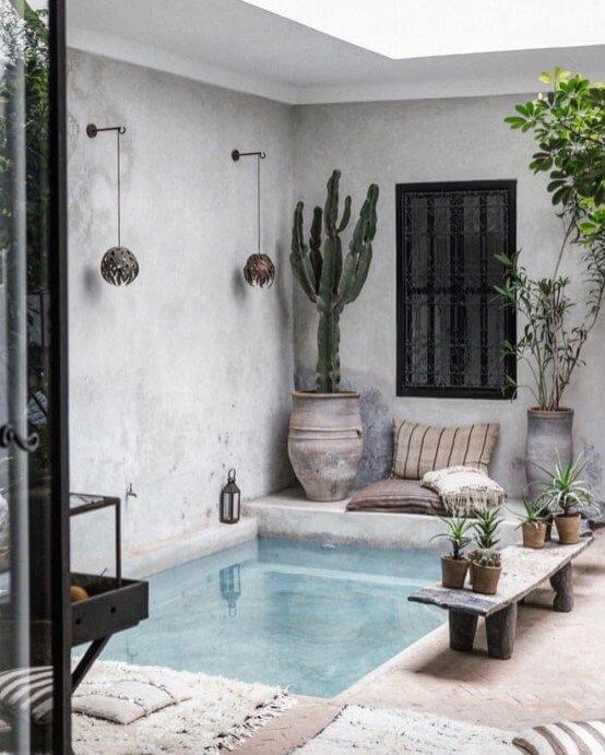 patios con piscinas